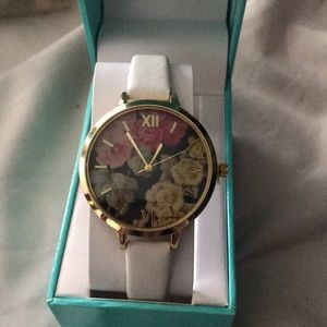 Floral Watch Large Face Large Numbers White Band